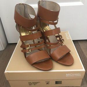 Michael Kors Winston sandal luggage brown size 9